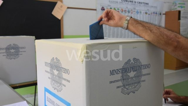Ballottaggi, Cosenza: nel primo giorno voto affluenza al 32,83%
