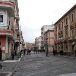Crotone,  ladri in azione in città: furto nella notte in un negozio di bigiotteria e accessori